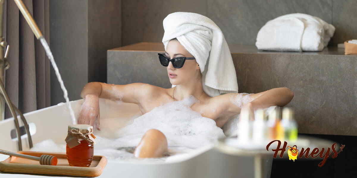 Read more about the article Honey For A Luxurious Bath And Soak